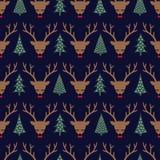 Cervos bonitos do sono com curva e teste padrão sem emenda das árvores do Xmas Ilustração Stock