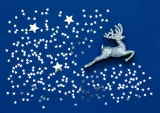Cervos e placer de prata diminutos de estrelas de prata pequenas Fotos de Stock Royalty Free