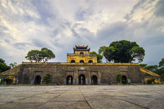 CESARSKA cytadela Thang Tęsk brzęczenia NOI WIETNAM, JUL - 25, 2015 - Obraz Royalty Free