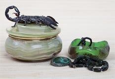 Skorpionu i kobiet przybranie Obrazy Royalty Free