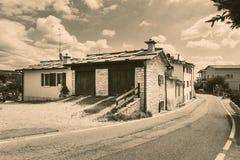 Cescatto Włochy, Sierpień, - 22, 2017: Dom z patiem od górskiej wioski Włochy Zdjęcie Stock