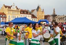 Ceske Budejovice, Tsjechisch Rep: Band in Oude Sq Stad. Royalty-vrije Stock Afbeeldingen