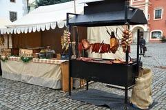 cesky圣诞节krumlov市场 库存照片
