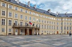 cesky捷克krumlov中世纪老共和国城镇视图 总统宫殿 2016年6月13日 免版税库存照片