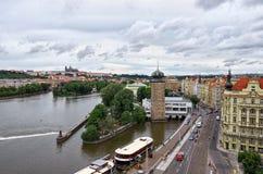 cesky捷克krumlov中世纪老共和国城镇视图 布拉格看法从高度的 2016年6月17日 库存图片