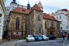 cesky捷克krumlov中世纪老共和国城镇视图 布拉格街道在夏天 2016年6月17日 免版税库存图片