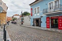 cesky捷克krumlov中世纪老共和国城镇视图 布拉格街道 2016年6月17日 免版税库存图片