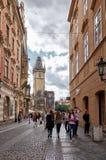 cesky捷克krumlov中世纪老共和国城镇视图 布拉格 在老镇中心的城镇厅塔 2016年6月15日 图库摄影