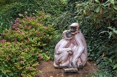 cesky捷克krumlov中世纪老共和国城镇视图 布拉格 布拉格动物园 雕塑猴子 2016年6月12日 图库摄影