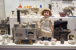 cesky捷克krumlov中世纪老共和国城镇视图 玩具博物馆在布拉格 2016年6月13日 免版税库存照片