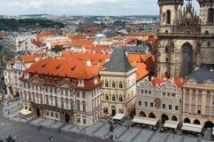 cesky捷克krumlov中世纪老共和国城镇视图 老布拉格方形城镇 2016年6月13日 图库摄影
