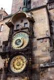 cesky捷克krumlov中世纪老共和国城镇视图 计时老 库存照片