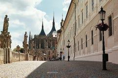 cesky捷克krumlov中世纪老共和国城镇视图 St巴巴拉Kutna Hora ` s教会  2016年6月14日 图库摄影