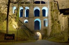 Cesky Krumlov城堡在晚上 免版税图库摄影