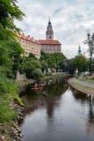 CESKY KRUMLOV, BOHEMIA-/CZECHrepublik - 17. SEPTEMBER: Leute Ca Stockfotografie