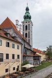 CESKY KRUMLOV, BOHEMIA-/CZECHREPUBLIK - SEPTEMBER 17: St Jost C royaltyfria foton