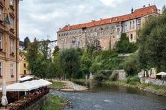 CESKY KRUMLOV, BOHEMIA-/CZECHREPUBLIK - SEPTEMBER 17: Statlig Cas Fotografering för Bildbyråer