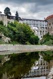 CESKY KRUMLOV, BOHEMIA-/CZECHREPUBLIK - SEPTEMBER 17: Statlig Cas Arkivbilder