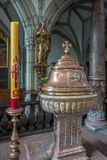 CESKY KRUMLOV, BOHEMIA-/CZECHREPUBLIK - SEPTEMBER 17: Stilsort i S Arkivfoton