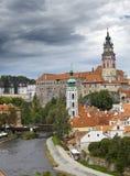 cesky krumlov cesky捷克krumlov中世纪老共和国城镇视图 城市全景 免版税库存照片