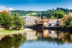 Cesky Krumlov en Vltava-rivier, Tsjechische Republiek stock foto's
