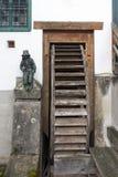 CESKY KRUMLOV, RÉPUBLIQUE DE BOHEMIA/CZECH - 17 SEPTEMBRE : Wa en bois photo stock