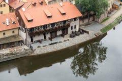 CESKY KRUMLOV, REPUBBLICA DI BOHEMIA/CZECH - 17 SETTEMBRE: Vista di K fotografie stock libere da diritti