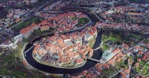Cesky Krumlov - vista aérea da cidade vídeos de arquivo