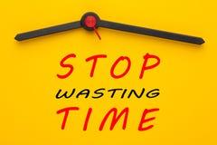 Cessez de perdre le temps images libres de droits