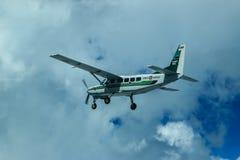 Cessna 208 τροχόσπιτο και ουρανός Στοκ εικόνες με δικαίωμα ελεύθερης χρήσης
