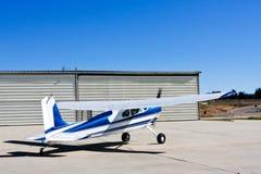 Cessna 180 vliegtuig Stock Foto's
