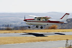 Cessna 210 - Note 'N gehen Stockfotos