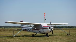 Cessna 172 on the airfield stock photography
