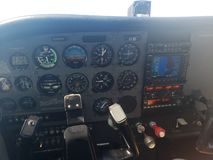 Cessna 172 cockpit royaltyfri bild