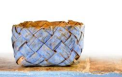 Cesta azul en blanco Imagen de archivo libre de regalías