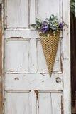 Cesta colgante de la flor Fotografía de archivo libre de regalías
