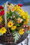 Cesta com flores Imagens de Stock Royalty Free