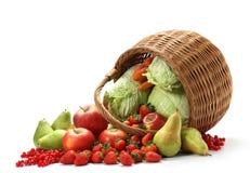 Cesta com frutas Fotos de Stock