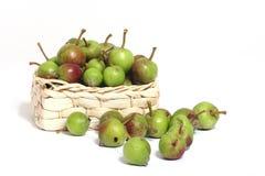 Cesta com maçãs imagens de stock