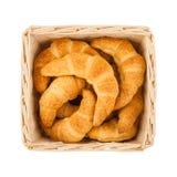 Cesta com os croissant no branco Imagens de Stock