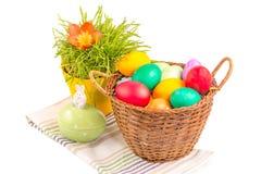 Cesta com ovos de Easter Imagens de Stock Royalty Free