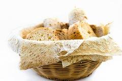 Cesta com pão, lavash, assorti fotografia de stock