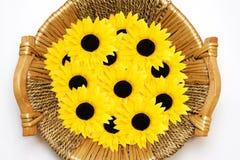 Cesta con las flores Imagen de archivo libre de regalías