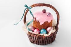 Cesta con una Pascua feliz Foto de archivo libre de regalías