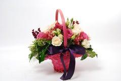 Cesta cor-de-rosa floral Foto de Stock