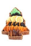 Cesta da árvore de Natal com frutas secadas imagens de stock