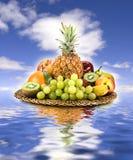 Cesta da fruta fotografia de stock royalty free