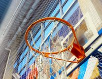 Cesta da malha para o basquetebol Fotos de Stock Royalty Free