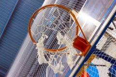 Cesta da malha para o basquetebol Imagem de Stock