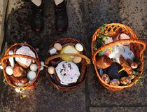 Cesta da Páscoa, ovos, Páscoa ortodoxo, Foto de Stock Royalty Free